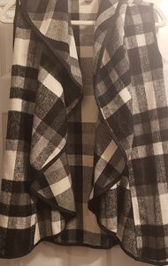 Black and White Plaid vest with pockets